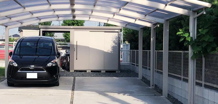 コンクリートの駐車場