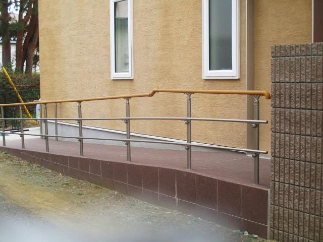 高齢者に安全なスロープ