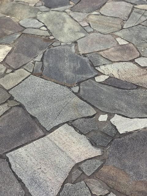 マンションの掃除がしやすい石畳の床