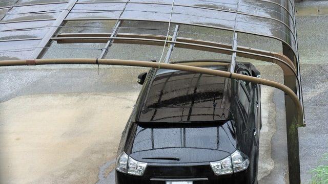 台風被害にあったカーポート